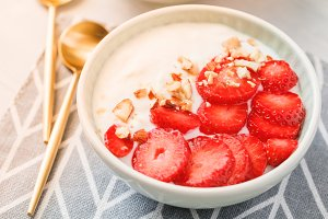 Bowl with coconut yoghurt