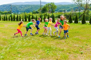 Active children playing yard games