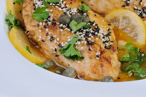 Chicken fillet in lemon-wine gravy