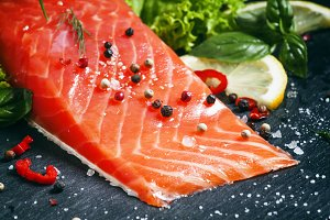 Salmon fillet with spices, herbs and