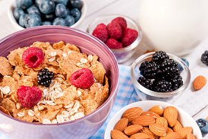 healthy breakfast with cornflakes be