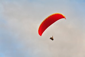 A magnificent parachute in the cloud