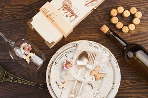 Tableware with decorations