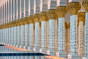 Sheikh Zayed White Mosque in Abu Dha