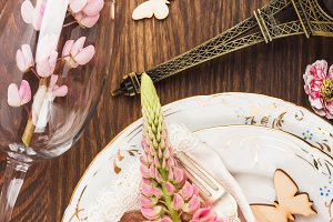 Tableware with pink lupines