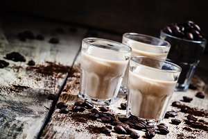 Coffee and cream liqueur, coffee bea