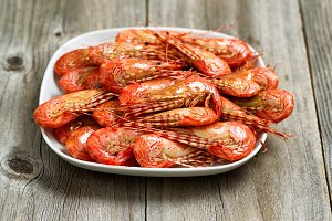 Fresh Steamed Shrimp in White Plate