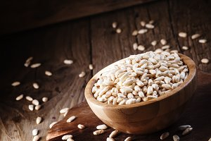 Puffed rice in a wooden bowl, select