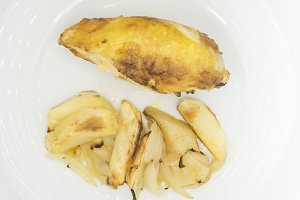 Chicken with potatoes and onion Heal