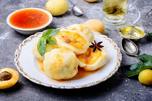 Fruit dumplings with apricot