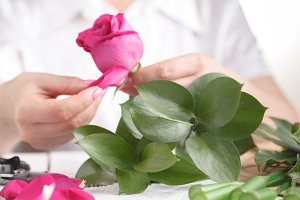 Florist at work: How to make floral