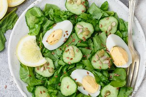 Useful spinach salad, cucumbers, egg