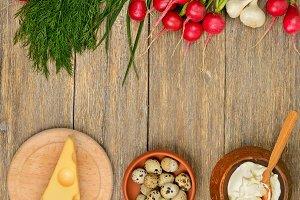 Healthy food (vegetables, cheese, eg