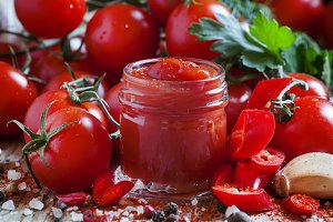Spicy tomato ketchup with chilli pep