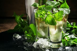 Alcoholic cocktail with vodka, mint