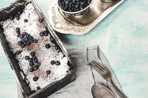 Berry crumble in the baking-Tin on