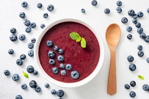 Acai blueberry smoothie bowl