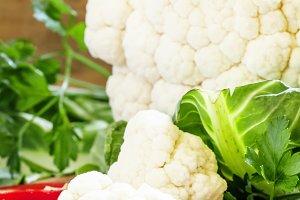 Cauliflower, red bell pepper, parsle