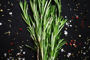 Fresh rosemary, spices, sea salt, mu