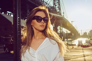Elegant woman wearing sunglasses