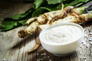 Ground horseradish, hot sauce to the
