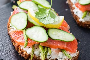 Sandwich with salmon, cream cheese