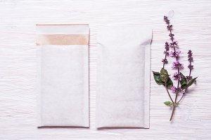 Set of two Foam padded envelopes on