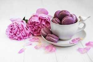 Cup with sweet macaroons