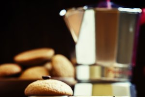 Espresso coffee, amaretti biscuits w