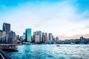 Darling Harbour bay in Sydney city p