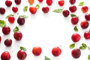 Red and yellow plums
