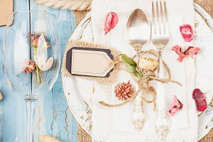 Tableware and silverware with differ