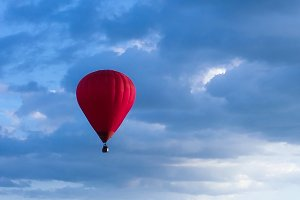Colorful Hot Air Balloons in Flight