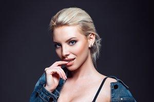 Studio shot: beautiful sexy woman