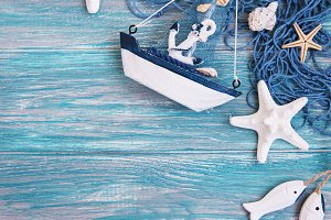 Fishing net with starfish and sea de
