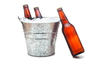 Beer Bucket with Leaning beer