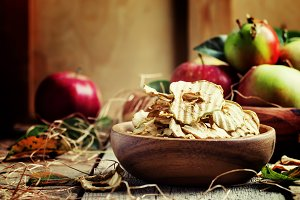 Healthy food: apple chips and fresh