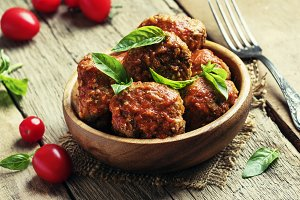 Meatballs of pork and beef with spic