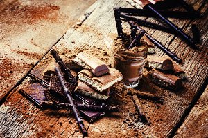 Chocolate and cocoa powder mix, vint