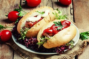 Street food: hot dogs with grilled s