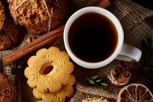 Cookies with cinnamon and two cups