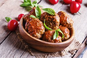 Meatballs with tomato sauce and basi