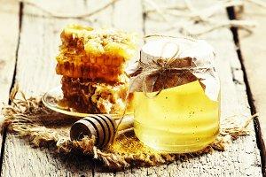 Honey jar and honeycomb, vintage woo