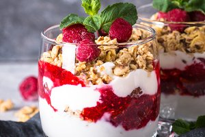 Layered dessert with yogurt, granola