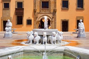 Sculptures and a fountain.