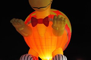 Happening glowing balloons in the ni