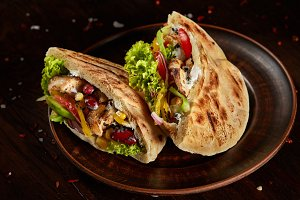 Pita stuffed with chicken, beans and