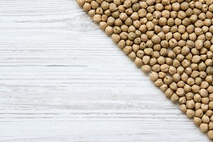 Top view, dried chickpeas