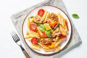 Pasta penne with chiken and