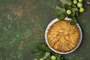 Tarte Tatin with apples